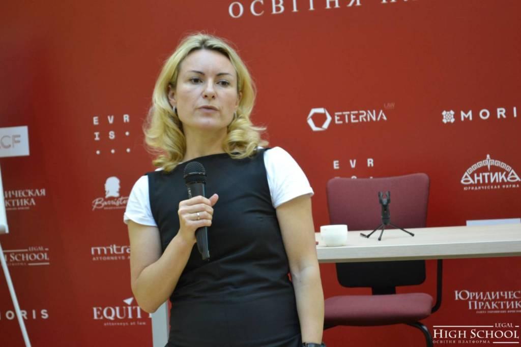 «Репутация, это когда вас рекомендуют и хотят работать с вами», — уверена Екатерина Засуха, директор и управляющий партнер агентства по управлению репутацией «Эффективные коммуникации» (EFCOM), лектор LHS